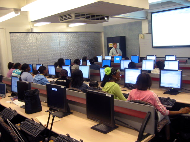 students-in-computer-classroom_350x500